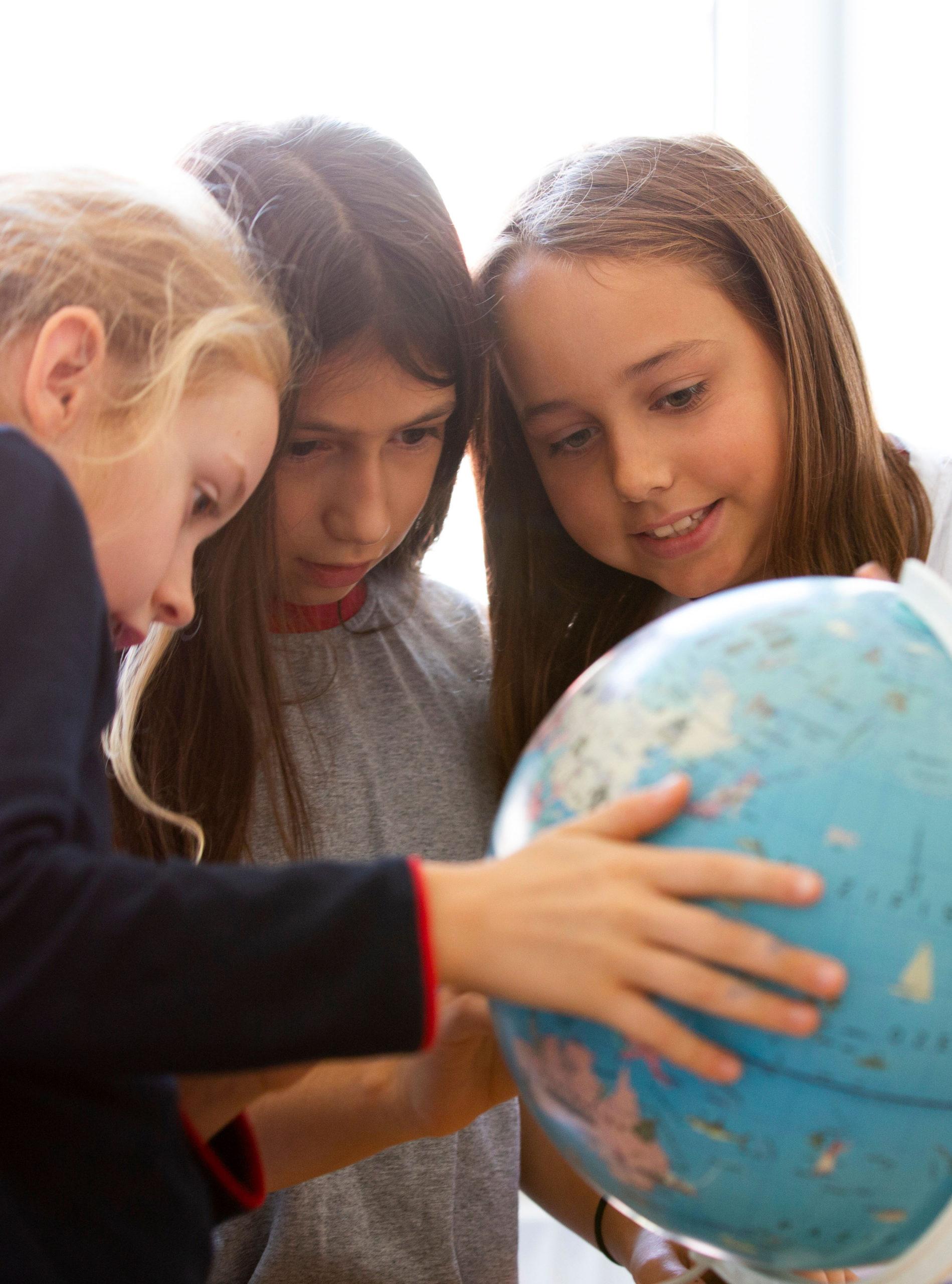 Kinder am Globus - Sprachen lernen